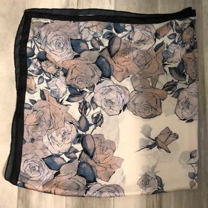 """🆕 Vince Camuto Scarf square 48"""""""